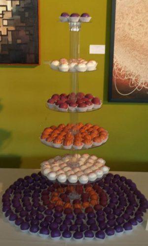 Cake_Kisses_Round_Tier