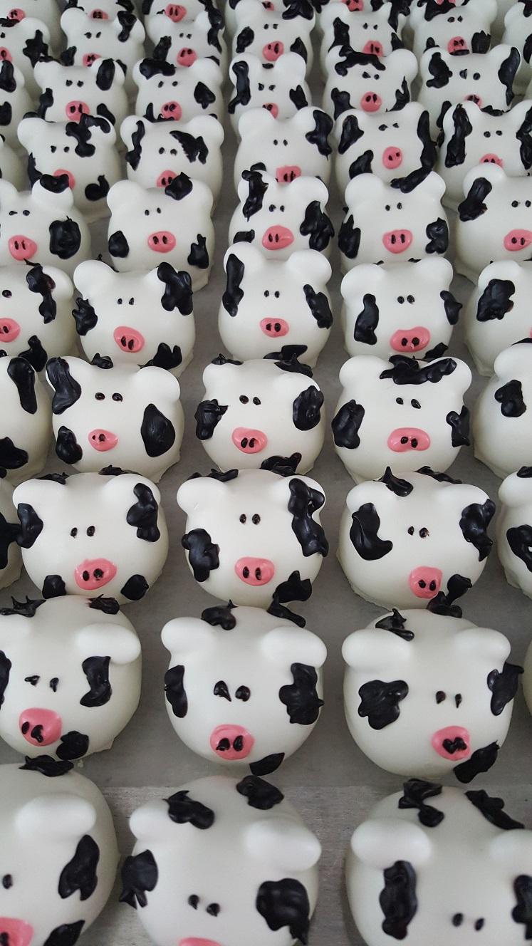 Cow Cake Balls
